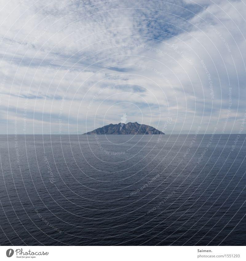 horizontausstülpung Umwelt Natur Urelemente Erde Wasser Himmel Wolken Klimawandel Wetter Küste Meer Insel Sehnsucht Fernweh Einsamkeit Farbfoto Gedeckte Farben