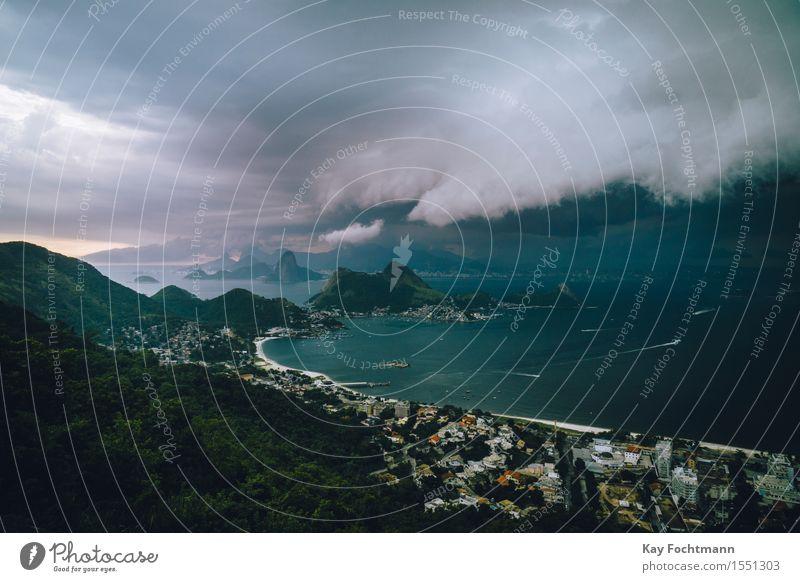 ° Ferien & Urlaub & Reisen Sommer Meer Wolken Ferne Strand Felsen Regen Tourismus Wetter Wind gefährlich Hügel Bucht Fernweh Unwetter
