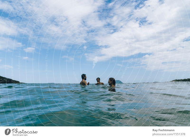° Mensch Himmel Natur Ferien & Urlaub & Reisen Jugendliche Sommer Junge Frau Wasser Meer Junger Mann Wolken Freude Ferne Strand 18-30 Jahre Erwachsene