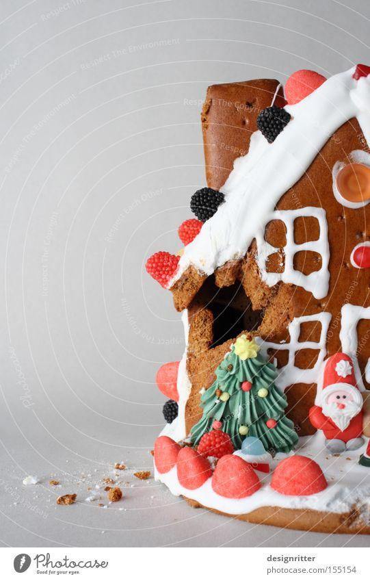 Lochfraß Lebkuchen Weihnachten & Advent Haus Ernährung Wohnung süß kaputt lecker Hütte Süßwaren Wert Schaden Einfamilienhaus Schade Lebkuchenhaus