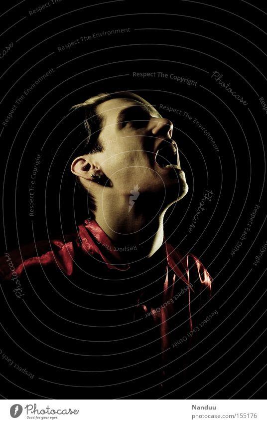 Rettung Mensch Mann dunkel Gefühle Traurigkeit Angst Trauer schreien Verzweiflung Panik Vampir beklemmend