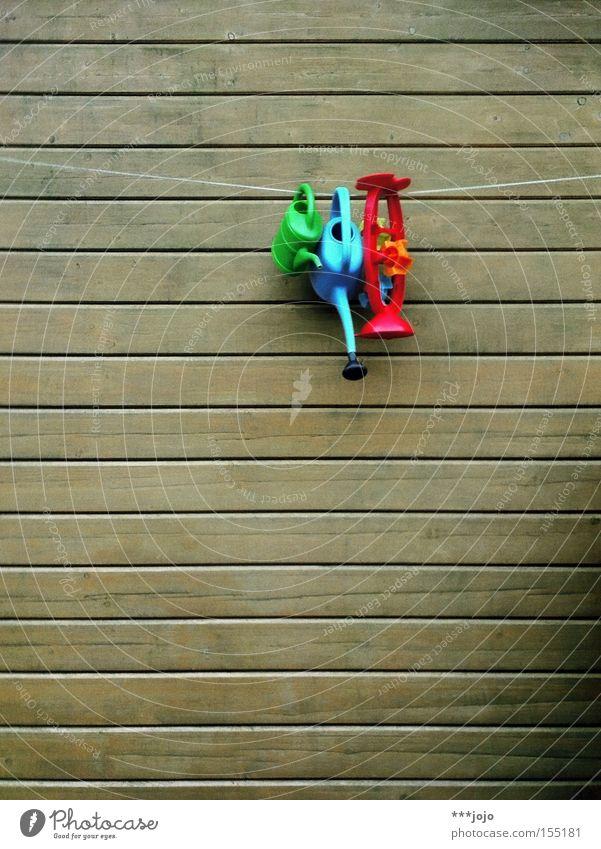 yes we can! Holzbrett Wand Gießkanne Spielzeug gießen Kunststoff mehrfarbig Farbe hängen Seil Schrebergarten Garten Freizeit & Hobby Park