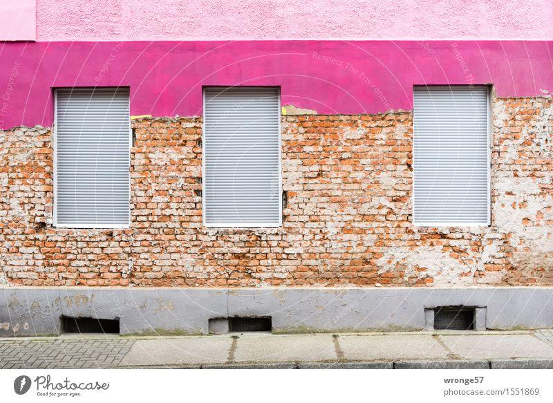 Experiment | Fehlschlag Menschenleer Haus Wohnhaus Mauer Wand Fassade Fenster alt Stadt braun mehrfarbig grau violett rosa Beginn Farbe Fortschritt Rollladen