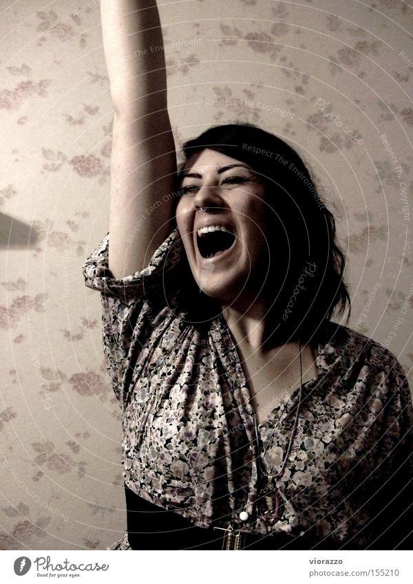 roses. Frau Freude Mund Angst Rose Zähne Kleid schreien Tapete Verzweiflung Panik Piercing