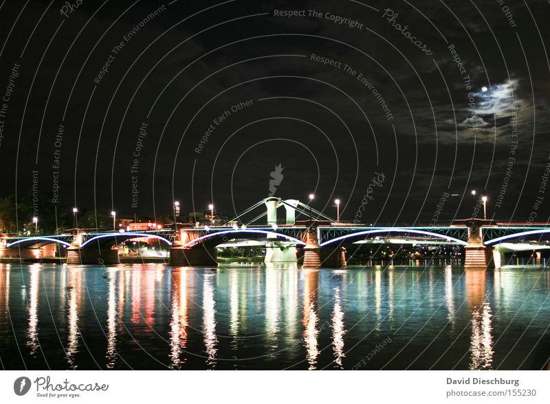 Brücke im Mondschein Licht Fluss Wasser Nacht Abend Wolken Lampe Reflexion & Spiegelung Frankfurt am Main Langzeitbelichtung Himmelskörper & Weltall moon