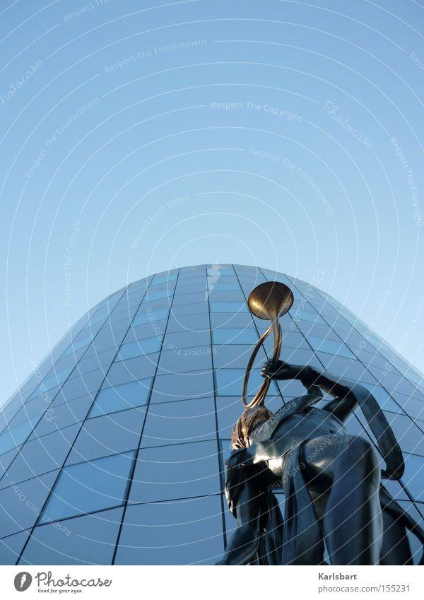 finanzkrise. Reichtum Design Musik Kapitalwirtschaft Geldinstitut Skulptur Himmel Hochhaus Bankgebäude Architektur Fassade ästhetisch Stadt blau achtsam