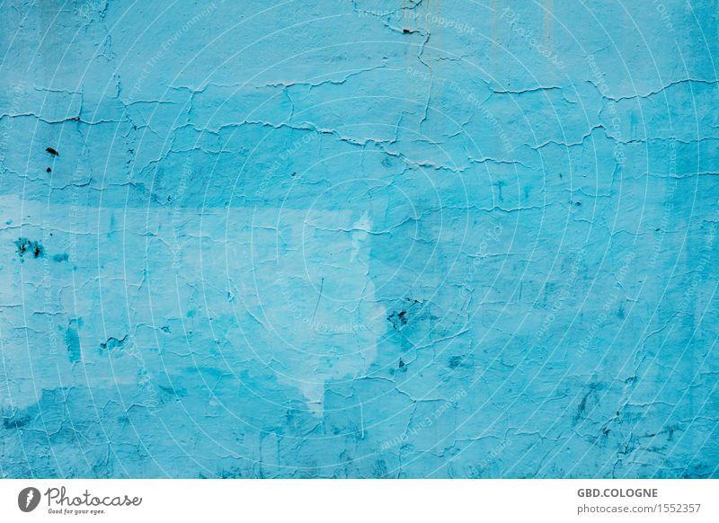 Heute mache ich blau... Ruine Bauwerk Gebäude Mauer Wand Fassade alt Stadt Barcelona Farbe Putzfassade abblättern Verfall verfallen Hintergrundbild