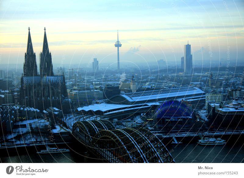Heimatserie (1) Panorama (Aussicht) Stadt Köln Kitsch Kölner Dom Wahrzeichen Tourismus Gotteshäuser Denkmal sigtseeing Stadtzentrum großstadtdschungel