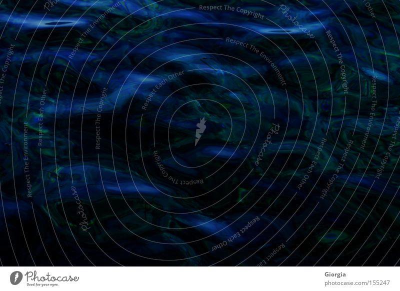 deep water Wasser Meer blau schwarz dunkel Wellen tief Fototechnik