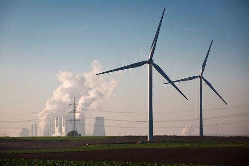 Die Alternativen zur Braunkohle Arbeit & Erwerbstätigkeit Horizont Feld Energiewirtschaft authentisch Technik & Technologie bedrohlich Schönes Wetter