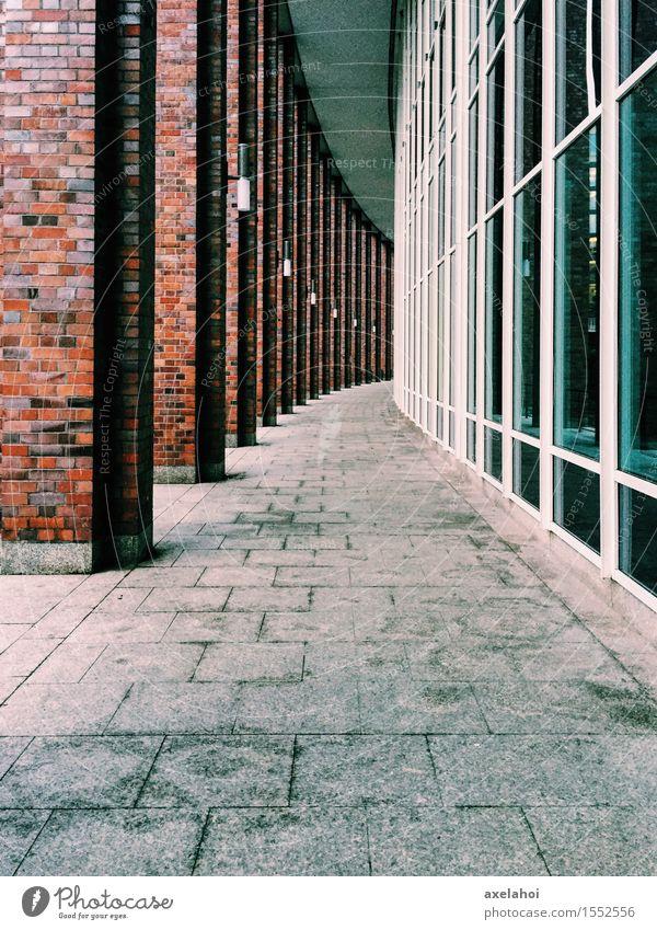 Großstadt Architektur Flucht Ausstellung Museum Stadt Stadtzentrum Fußgängerzone Hochhaus Tunnel Bauwerk Gebäude Mauer Wand Fassade Wege & Pfade Mut Tatkraft