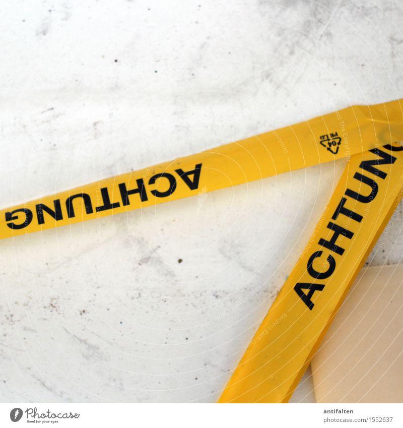 GNUTHCA ACHTUNG schwarz gelb Wand Gebäude Mauer liegen Häusliches Leben Schriftzeichen gefährlich Platz Hinweisschild bedrohlich lesen Sicherheit Bauwerk