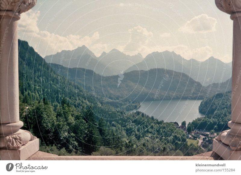 Prima Aussichten Ludwig Neuschwanstein Bayern Berge u. Gebirge Wolken Himmel Silhouette Tanne Fichte Säule See Ferne Lomografie Deutschland