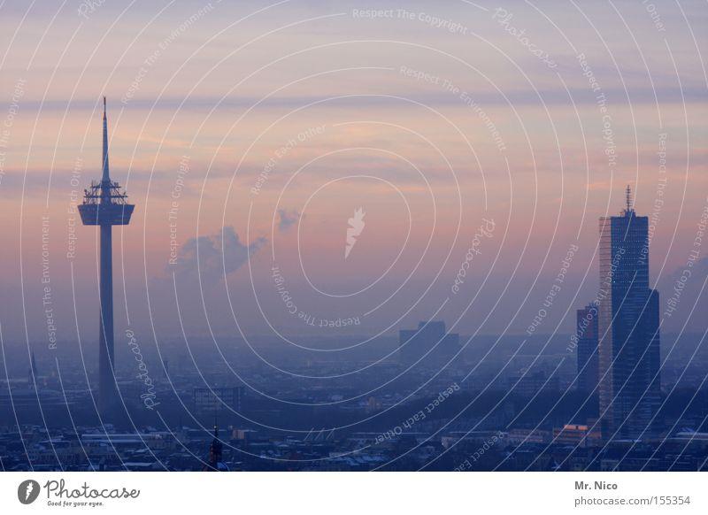 Heimatserie (3) Himmel Stadt Horizont Hochhaus Turm Skyline Köln Stadtteil Fernsehturm Heimweh