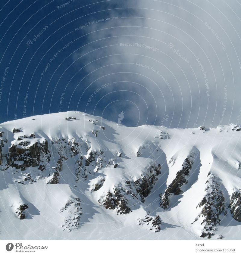 Schneewehen I blau weiß Winter Wolken kalt Berge u. Gebirge Felsen Nebel Alpen Österreich Gletscher Skipiste