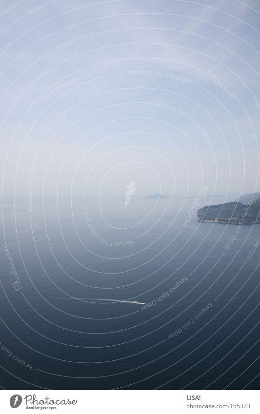 cassis Farbfoto Ferne Meer Wasser Horizont Wasserfahrzeug blau Frankreich Cassis Klippe tief Mittelmeer