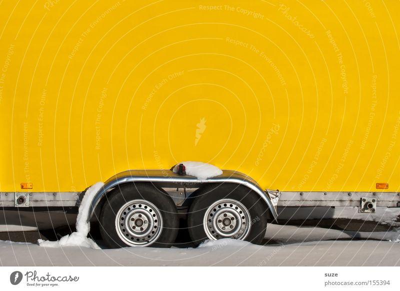 Extrem anhänglich weiß Winter gelb kalt Wand Schnee hell Arbeit & Erwerbstätigkeit Verkehr verrückt einfach Baustelle fahren Güterverkehr & Logistik Rad