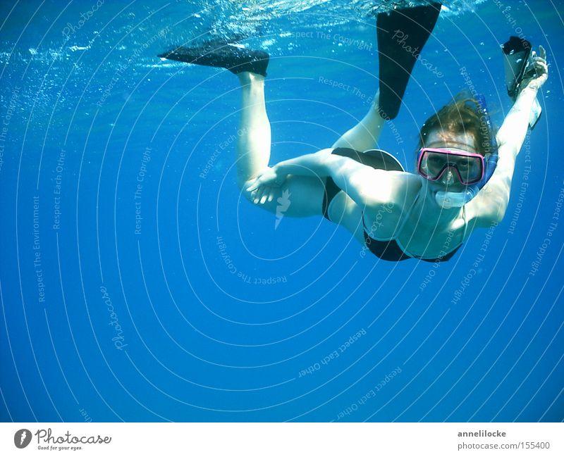 keine fische Frau Jugendliche Wasser schön Meer blau Sommer Ferien & Urlaub & Reisen Sport feminin Unterwasseraufnahme Wellen Küste Erwachsene Freizeit & Hobby