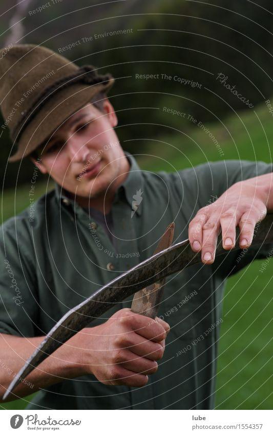 Scharfmacher Wiese Arbeit & Erwerbstätigkeit Scharfer Geschmack Landwirtschaft Scharfer Gegenstand Werkzeug Forstwirtschaft mähen Sense Sensenmann