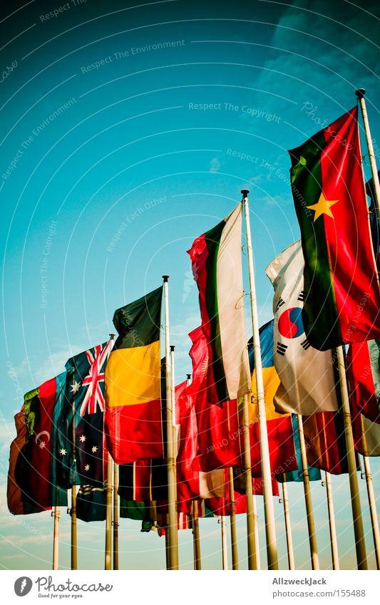 international Himmel Zusammensein Fahne Frieden Amerika Messe Ausstellung multikulturell allgemein Standarte