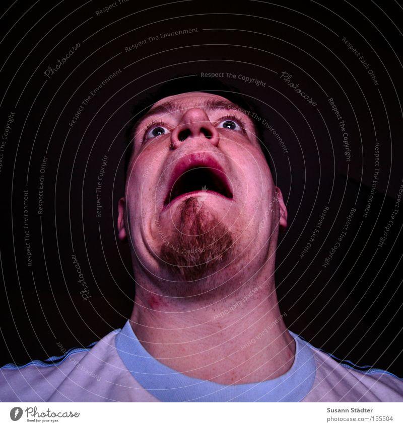 Ich glotz TV! Mann blau Gesicht Auge Angst verrückt Bart Spannung Hals Panik Nervosität Halloween Nasenloch Sender Pickel