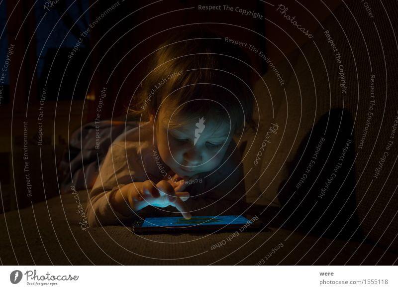 Medienkinder Mensch Kind Spielen Kommunizieren Technik & Technologie Beginn Telekommunikation Computer lernen Dinge Abenteuer Internet Spielzeug Handy Informationstechnologie Notebook