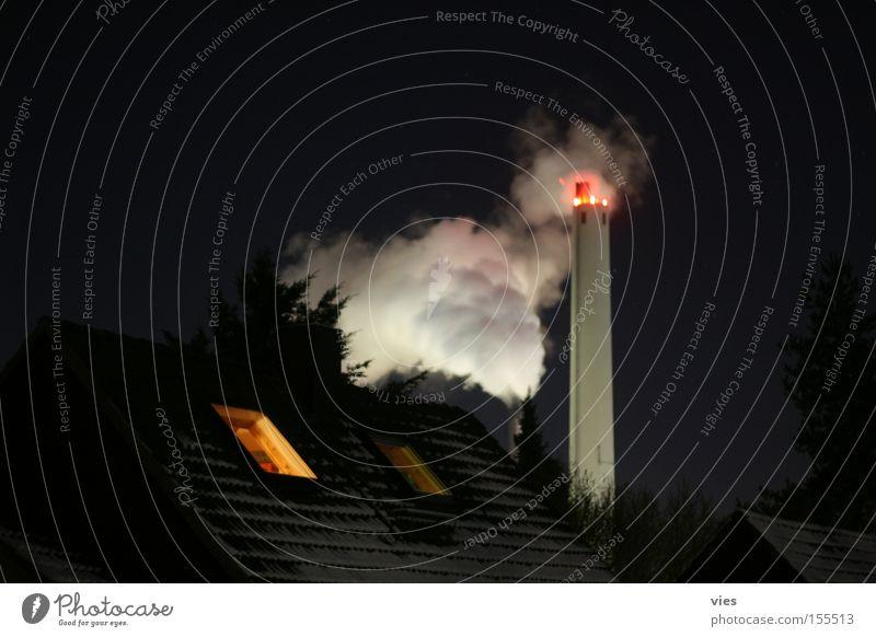 aus staatlichen Reserven Gas Nacht Nebel Abgas dunkel Winter kalt Industrie Gaswerke