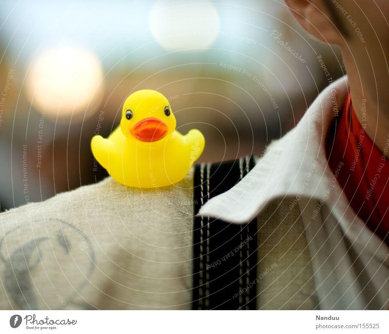 Schulterblick gelb Vogel sitzen Dekoration & Verzierung niedlich Hemd Kunststoff Ente frech Badeente Spielzeug Hosenträger