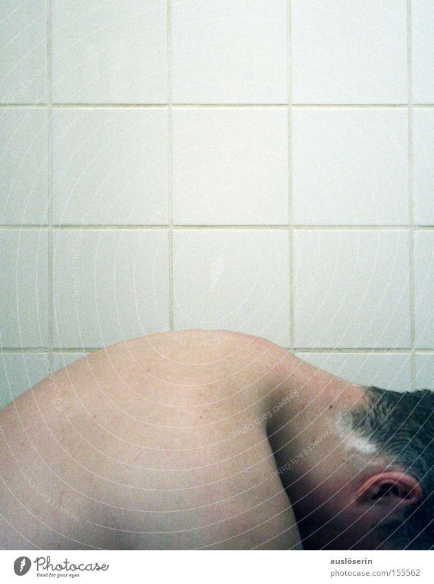 Badetag #2 Mensch Mann Freude Haare & Frisuren Erwachsene maskulin nass Rücken Ohr Ohr Schwimmen & Baden Fliesen u. Kacheln Badewanne Waschen Schaum