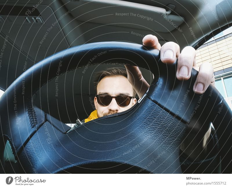 driver Mensch maskulin Mann Erwachsene Vater Kopf Finger 1 Verkehr Verkehrsmittel Verkehrswege Personenverkehr Autofahren Autobahn Fahrzeug PKW Frustration