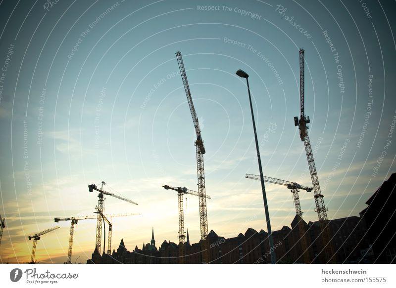 citizen crane Sportveranstaltung Baustelle Industrie Handwerk Himmel Hafen Dach neu Konkurrenz Kran Alte Speicherstadt Laterne Industriefotografie Außenaufnahme