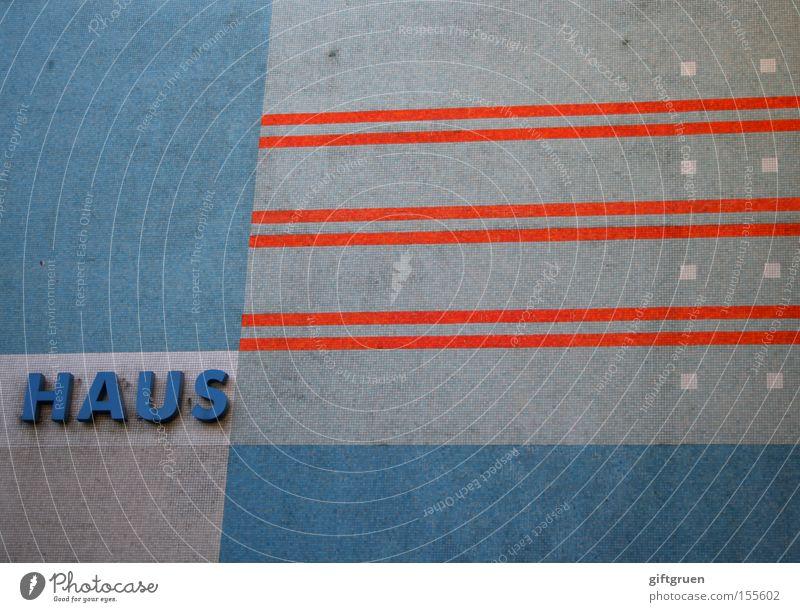HAUS Haus Gebäude Streifen Muster Typographie Aufschrift Beschriftung Buchstaben Wort Wand Fliesen u. Kacheln Detailaufnahme Schriftzeichen modern Architektur