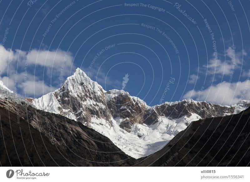 Mount Artesonraju in Peru Ferien & Urlaub & Reisen Tourismus Berge u. Gebirge wandern Natur Landschaft Wanderung Süden Gletscher Kordilleren Altimeter