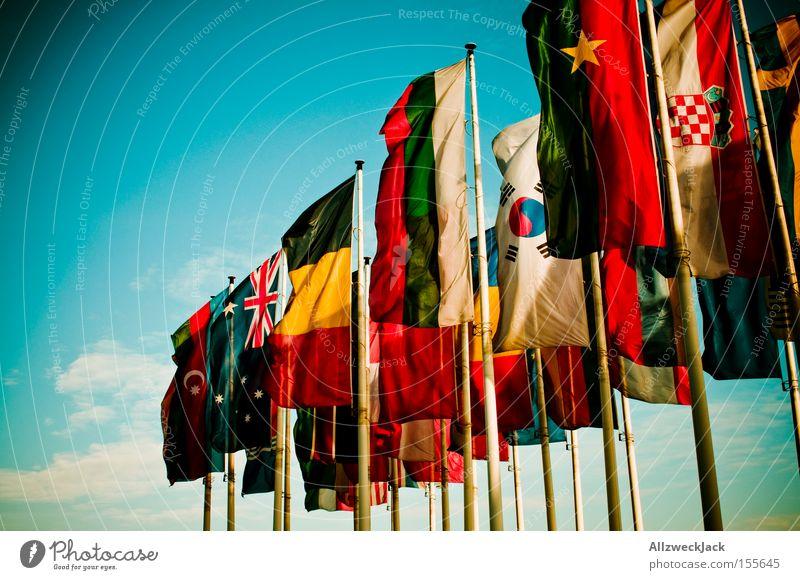 capture the flag Afrika Zusammensein Kommunizieren Fahne Frieden Werbung Europa Länder Amerika Länder Messe Länder Ausstellung international multikulturell Australien + Ozeanien
