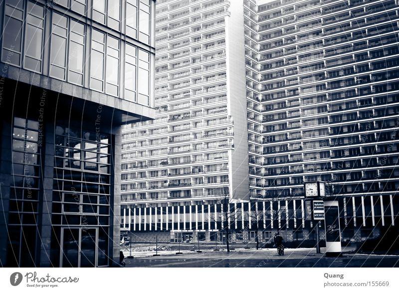 Urban Urban Stadt Haus Straße Berlin Architektur Wohnung Glas Fassade Hochhaus Verkehrswege Wohnzimmer Berlin-Mitte Plattenbau