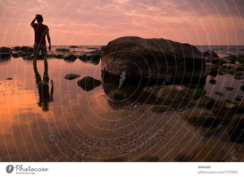 Grenzstein Rügen Meer Wasser Spiegel Ostsee Silhouette Mensch Sonnenuntergang Dämmerung Stein Reflexion & Spiegelung Romantik Himmel Abend Fernweh Abschied