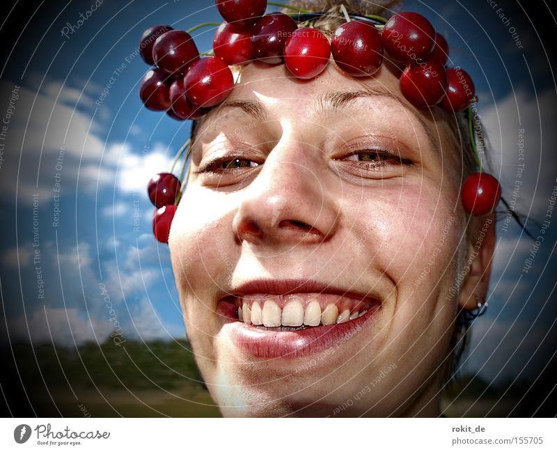 Cherry, Cherry Lady Jugendliche Freude lachen Mund Frucht süß grinsen Wange frech Kirsche fruchtig Kopf Kranz