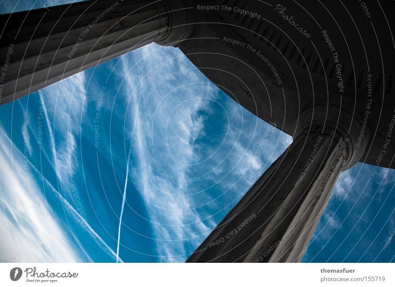 weiß-blau Himmel Wolken Kondensstreifen Säule Tempel Pavillon Licht Schatten Aussicht Zukunft Ferne Teile u. Stücke erhaben Käfig Bayern historisch