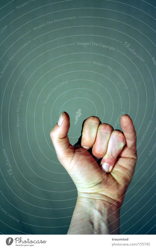~Y~ Mann Hand Farbe Wand Arme Finger Kommunizieren Hautfalten Konzentration Daumen gestikulieren Faust Gelenk Zeigefinger Mittelfinger Ringfinger