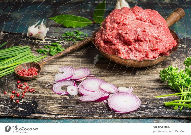 Gehacktes Fleisch und Zutaten für schmackhafte Küche Stil Lebensmittel rosa Design Ernährung Tisch Kochen & Garen & Backen Kräuter & Gewürze Gemüse Bioprodukte