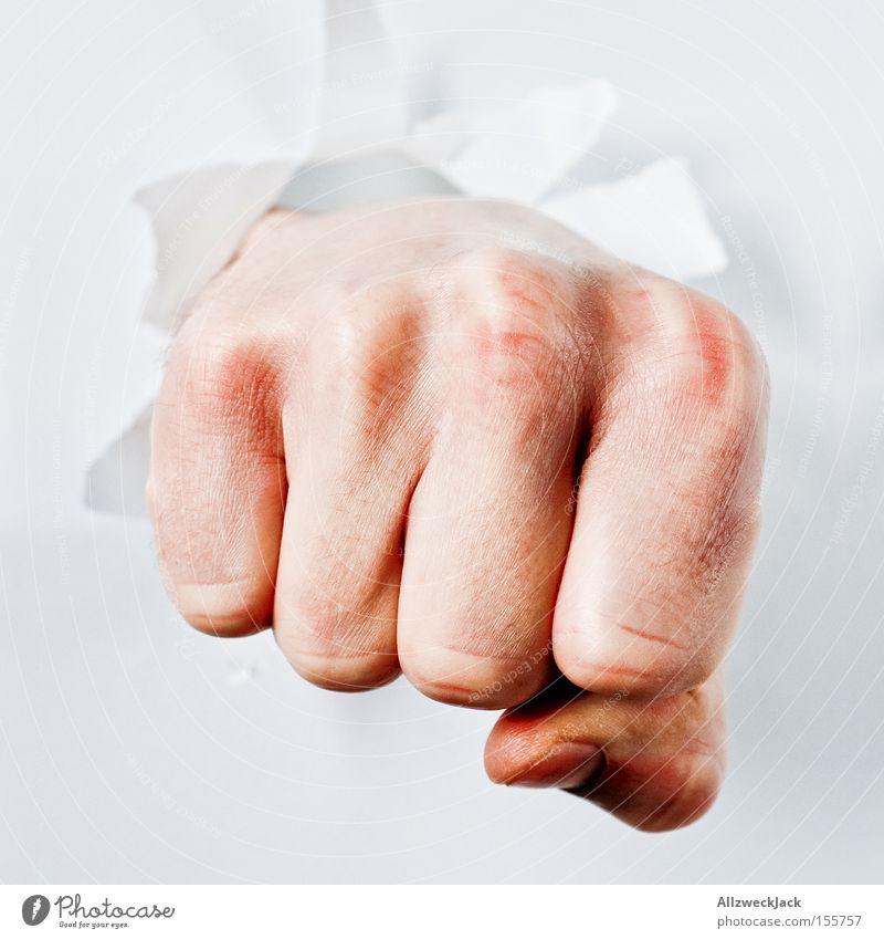 chuck norris Faust Hand schlagen Durchbruch Boxsport Finger kämpfen durchschlagend Durchschlagskraft Dienstleistungsgewerbe Wut Ärger Kraft fisten