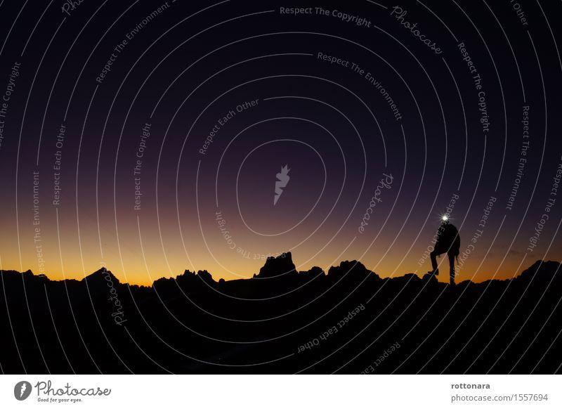 Aspetan che l sörëdl vëgnes sö bel plan :) Mensch Natur Ferien & Urlaub & Reisen Mann Landschaft Ferne Berge u. Gebirge Erwachsene Umwelt Sport Gesundheit