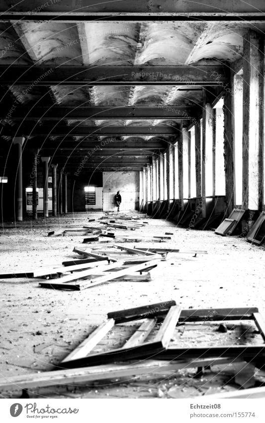 Noir. schwarz Wand Fenster grau Industrie Vergänglichkeit verfallen Ruine Decke Rahmen