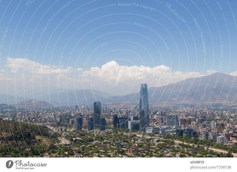 Panoramablick von Santiago de Chile Himmel Ferien & Urlaub & Reisen Stadt Landschaft Berge u. Gebirge Architektur Gebäude Tourismus modern hoch Skyline Süden