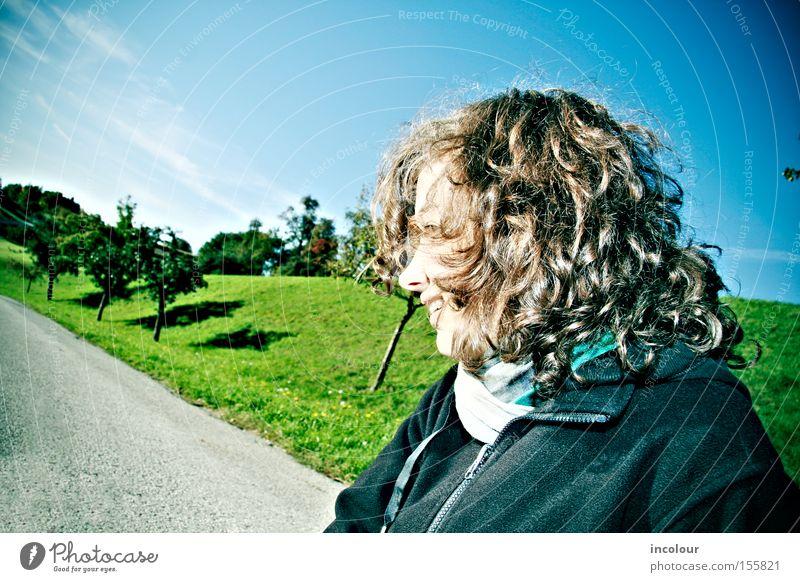 nein! Jugendliche Himmel Baum grün Wolken Straße Wiese Haare & Frisuren Wege & Pfade Landschaft Feld frisch Hügel Locken Grundbesitz Schal