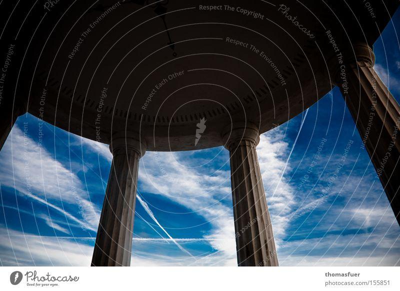 weiß-blau II Himmel blau Wolken Ferne Zukunft Aussicht München Teile u. Stücke Säule Tempel erhaben Gotteshäuser Käfig Bayern Kondensstreifen Pavillon