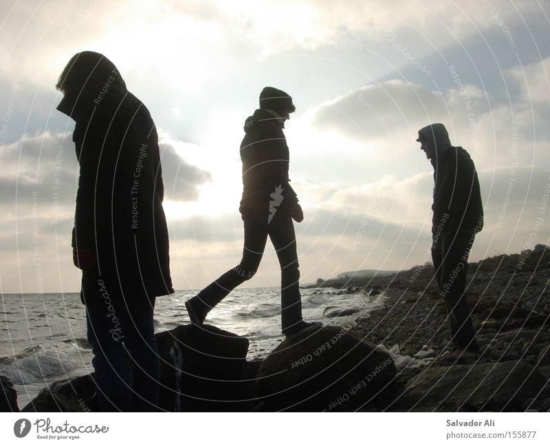 The Wanderer Wasser Meer Winter Ferien & Urlaub & Reisen ruhig Erholung Stein Küste wandern Felsen Sehnsucht Seeufer Ostsee Dänemark Langeland