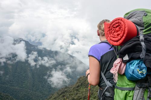 Point of View Ferien & Urlaub & Reisen Landschaft Wolken Ferne Berge u. Gebirge Freiheit Tourismus wandern Aussicht Ausflug Lebensfreude Abenteuer Ziel Klettern