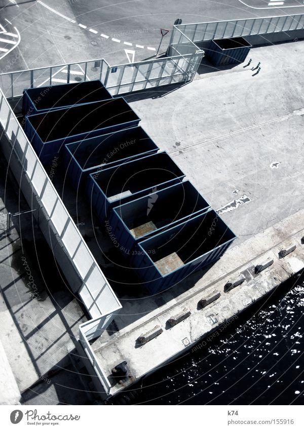 empty containers kalt leer Industrie Güterverkehr & Logistik Hafen Zaun Handel Schifffahrt Container Krise Versand Ladung