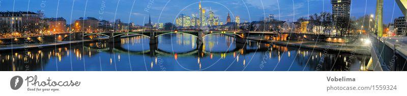 Frankfurt, abends Fluss Stadt Skyline Hochhaus Brücke Gebäude Architektur Verkehrswege Straßenverkehr blau braun mehrfarbig gelb gold grau orange schwarz